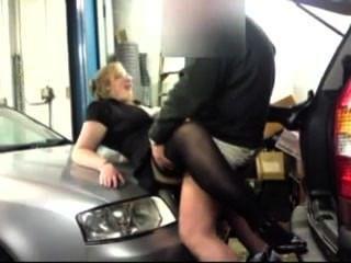 Amateur-Quickie in der Garage