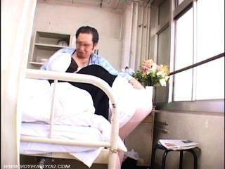 alter Patient Voyeur Sex mit Krankenschwester