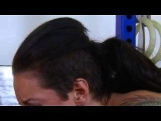 Christy Mack verführt mit Knackarsch