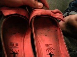 stinkende schmutzigen Füße frisch aus fiesen Wohnungen