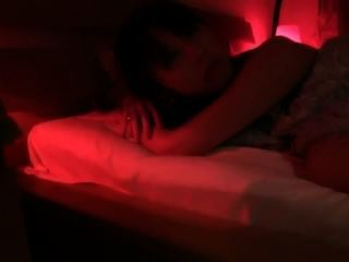 Japanese Babe fickt riesigen Schwanz zu Fremden in Europa