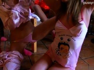 bigboobs Amateur-Sex in der Öffentlichkeit