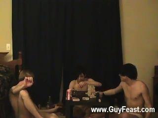 hardcore Homosexuell Spur und William bekommen zusammen mit ihren frischen Kumpel Austin