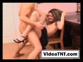 Brunette auf sexy Dessous sinnlich-07 Schreibtisch Pussy Schlampe hart gefickt