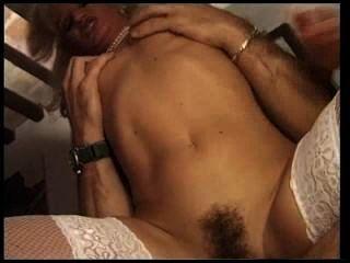 französisch Hure in weißen Strümpfen ficken in ihr Arschloch