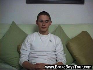 erstaunlich Homosexuell Szene, die er erzählte mir, dass er mit weißen Jungs zu sein, bevorzugt und