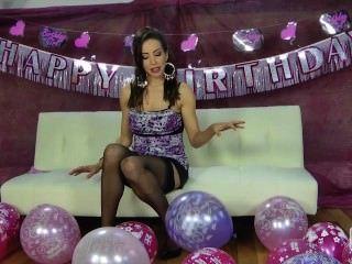 nina leigh necken mit ihren Ballons