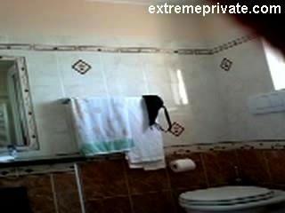 hidden cam meine nackte Mama in unserem Badezimmer