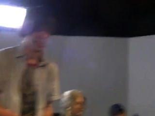 hinter den Kulissen von Hardcore-Film Zombies