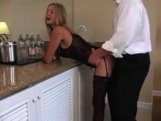 Hure Milf gefickt von ihrem benachbarten reifer Mann bis