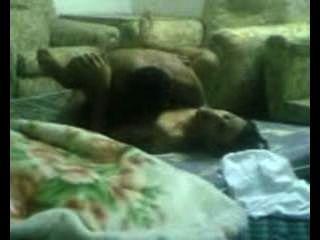 arabs ficken im Wohnzimmer.