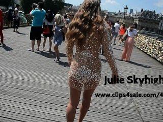 julie skyhigh eine paris: nackt unter transparant Kleid in der Öffentlichkeit in den hohen Absätzen