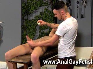 Homosexuell Porno Adam ist ein echter Profi, wenn es um brechen in frecher kommt