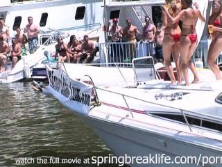 Bikini-Mädchen sich nackt