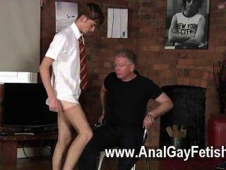 Homosexuell Orgie der Schüler jacob versohlt