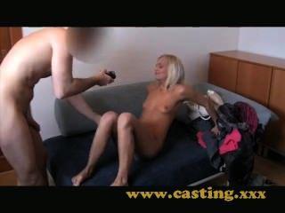 Gießen - Barbie-Puppe Kämpfe mit anal