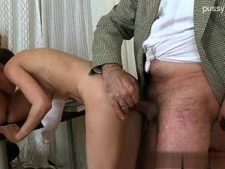 sexy Schlampe cocksucking