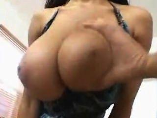 Big Tit Fick mit natürlichen Brüsten
