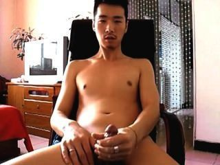 beeindruckende Kerl Cums 3-mal in Folge