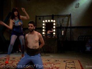 pussyboy trainiert Schwanz lutschen