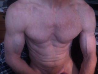 Bodybuilder Wichsen