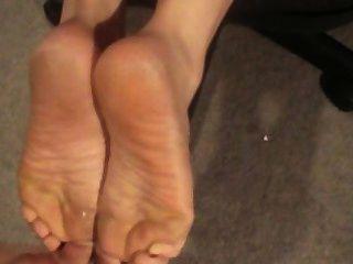 cum auf ihren Füßen, Esel und Zunge!