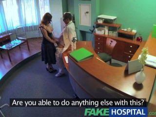 fakehospital Ärzte compulasory Gesundheitscheck macht vollbusige temporäre hospita
