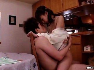Japanische Mädchen bezaubern heiße Frau im Bett room.avi