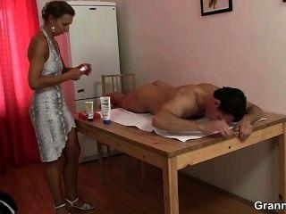 Massage führt und Hahn Reiten Blowjob